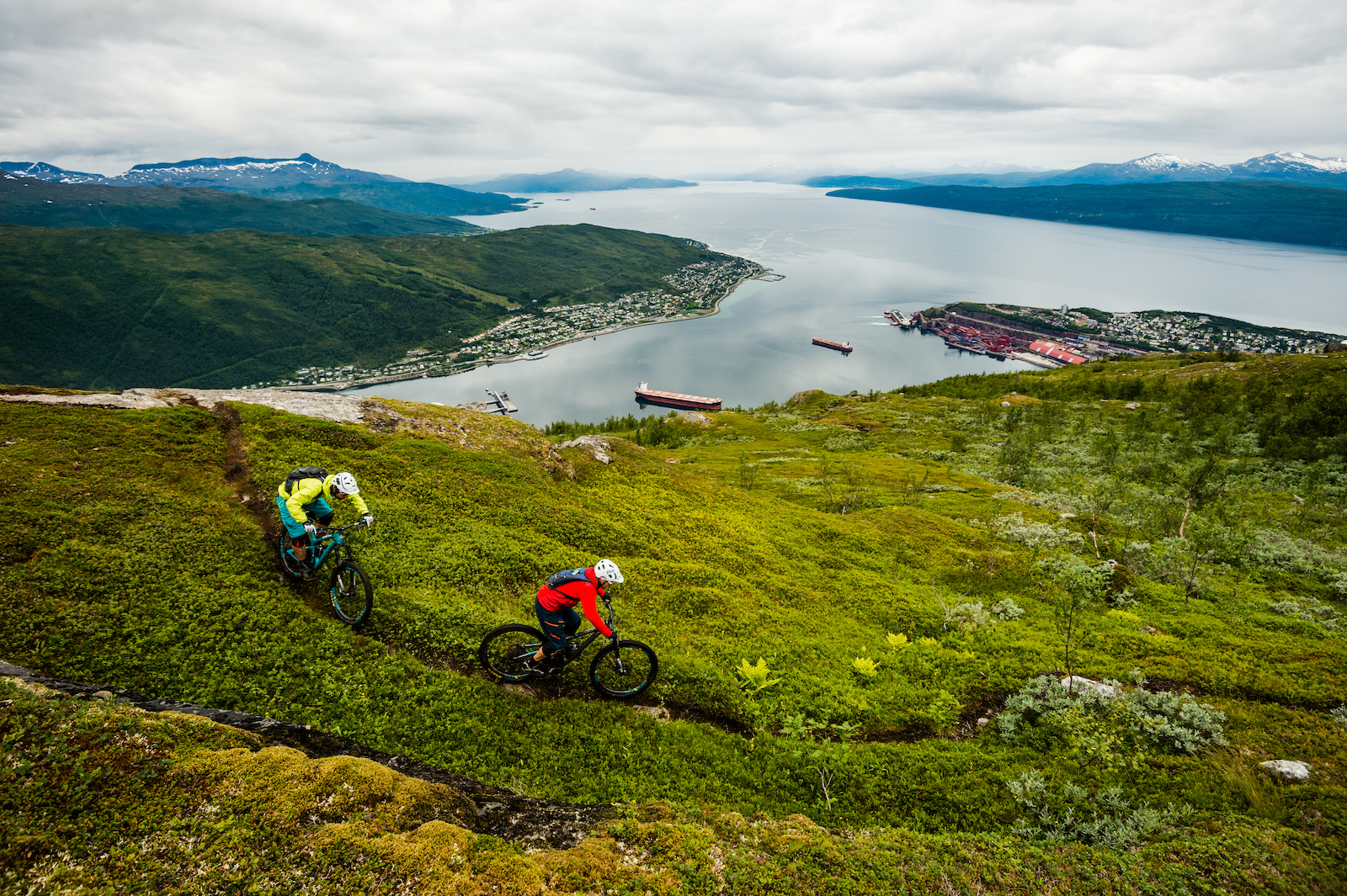 Joey Schulser and Mikael af Ekenstam riding in Narvik Norway.