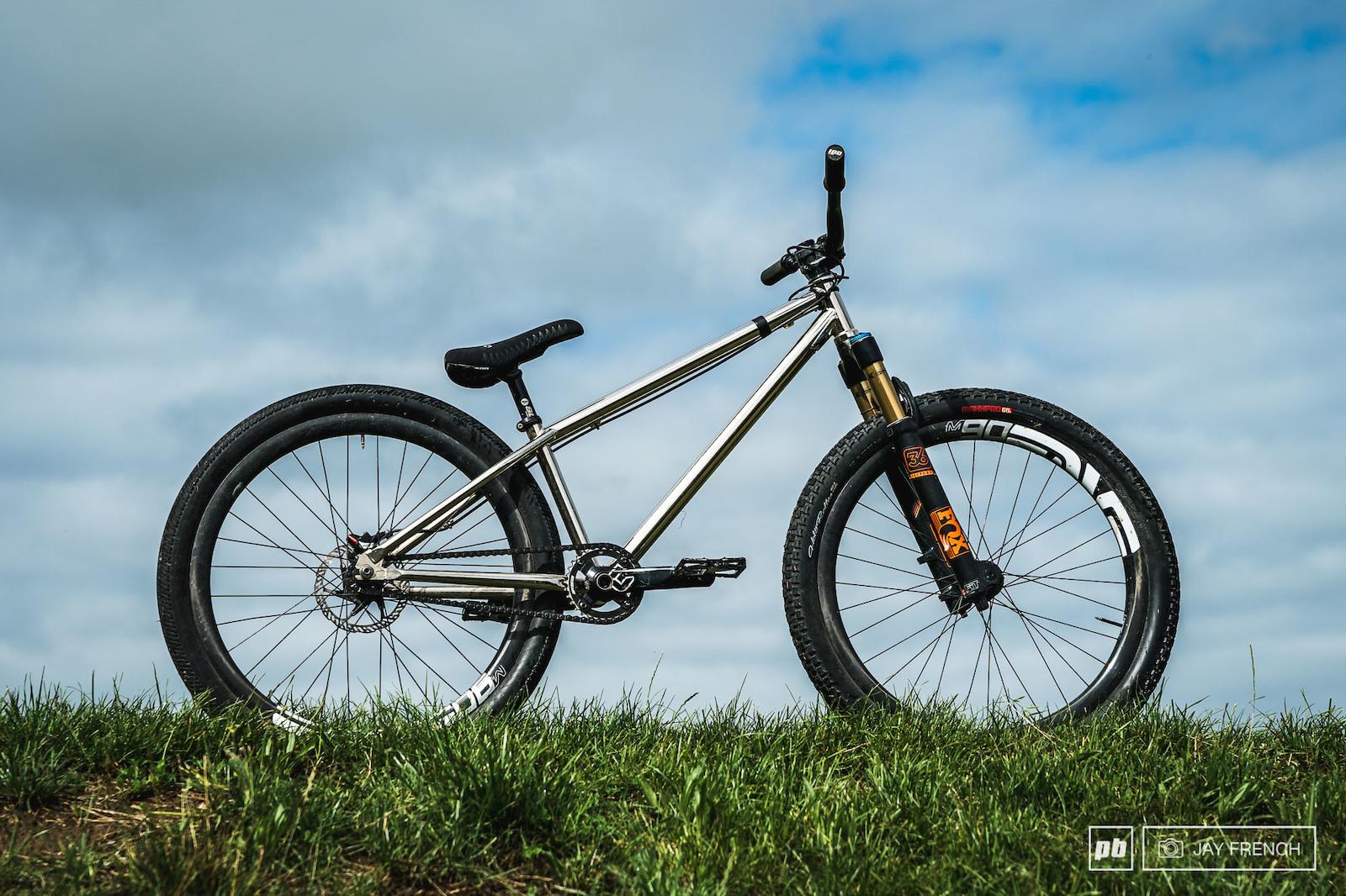 Custom homemade Frame. Enve Rims on Chris King Hubs Tubes tyres 60PSI Fox 36 Forks.