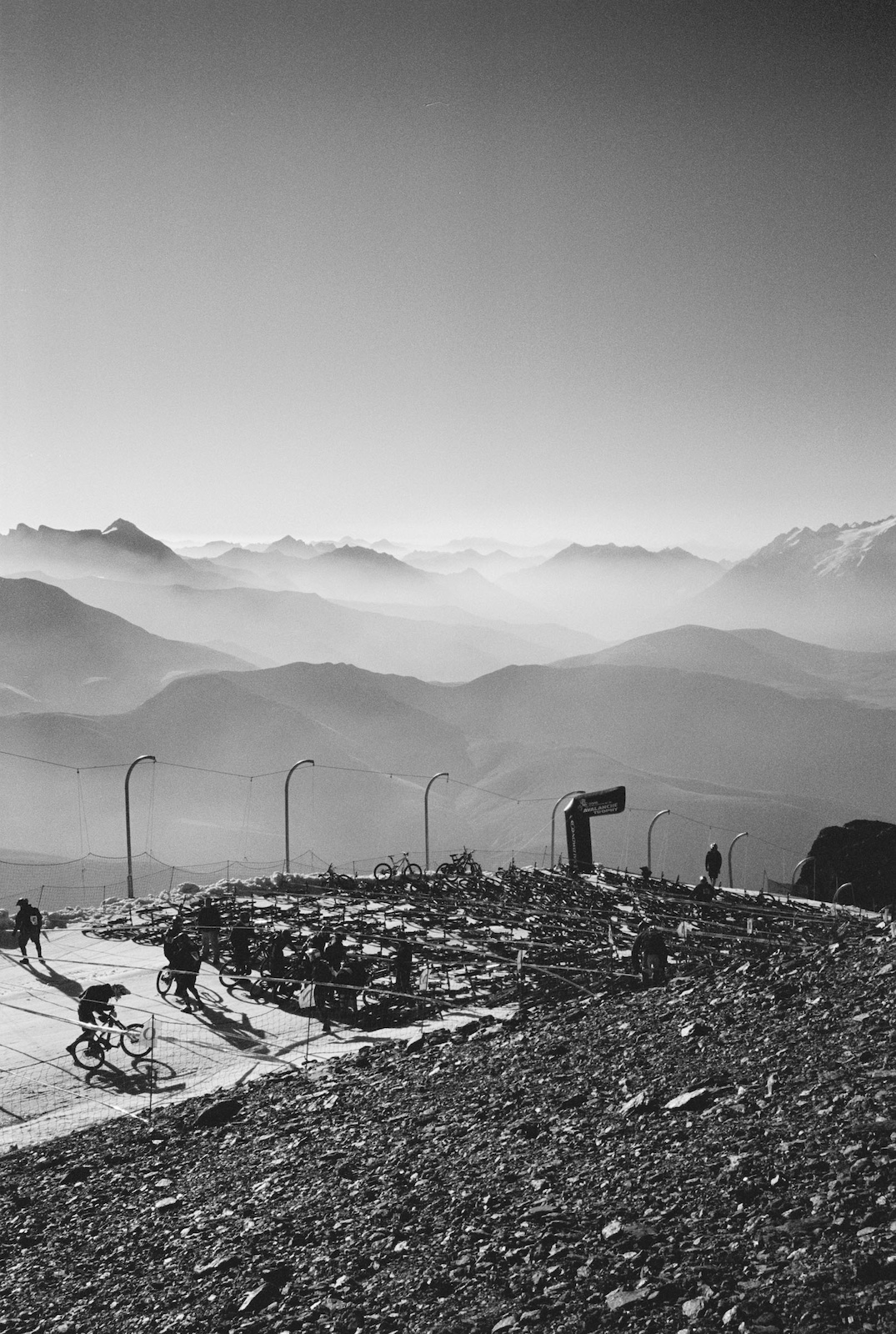 Start of the Megavalanche 2007 Pic Blanc 3300m