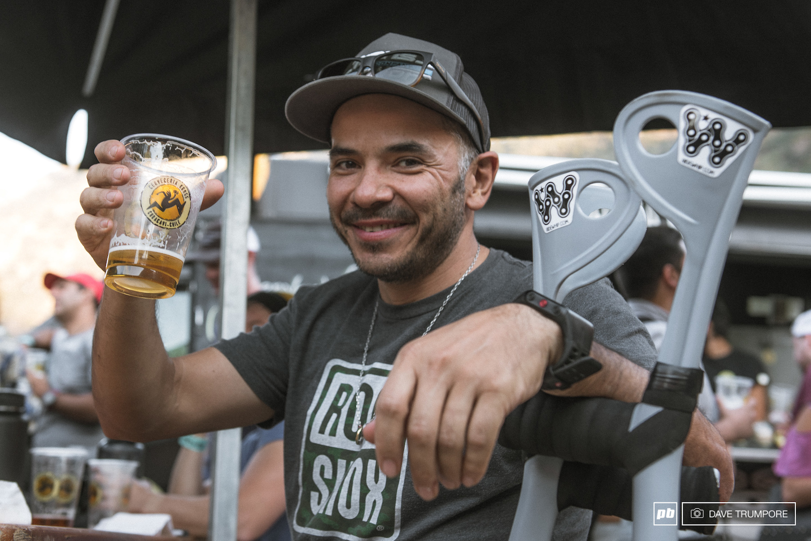 Previous Master s champs and Chilean racing legend Felipe Vasquez is sitting things out this year. A broken ankle may be keeping him off the bike but he still has two free hands for each day s afterparty.