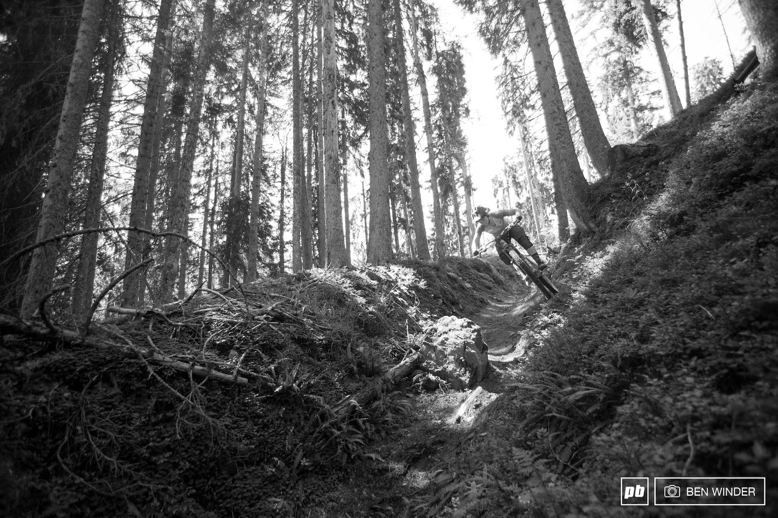 Morgane wall-riding in a fun gulley ride.