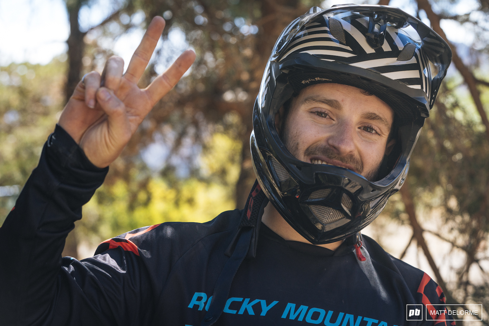 Jesse Melamed hit the deck yesterday and is riding taped up today. He might be feeling pain but he s still smiling an sits in fifth despite the injury.
