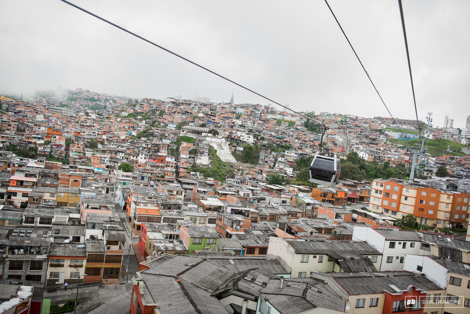 The unique gondola high above the city of Manizales takes riders up to the top of stage 1.