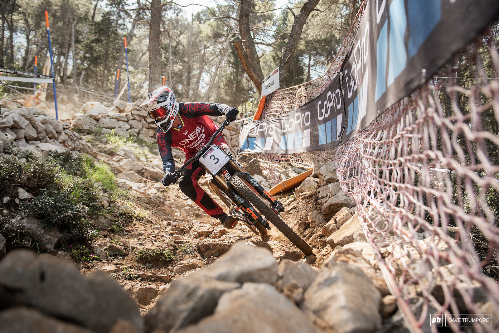 A year ago it was a big deal to see Greg Minnaar on a 29er but now it seems hard the field is on one.