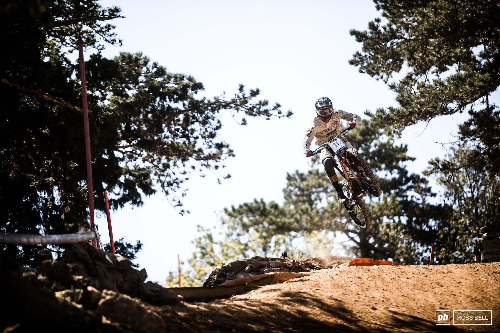 Commencal s new signing Amaury Pierron has been on a tear in the opening few races of 2018 but would be denied the result his pace deserved with a flat not far from home.