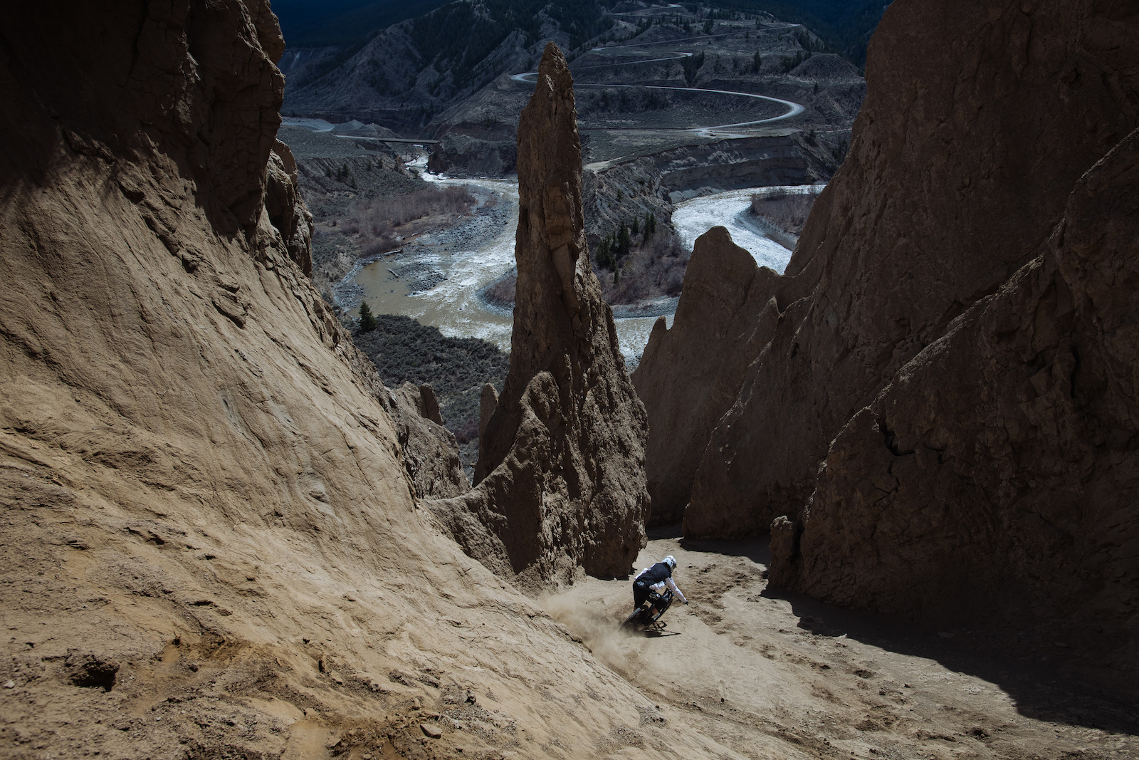 With the main line in the canyon shut down because a Hoodoo had fallen down the chute we decided to explore other options. Kenny exploring his options.