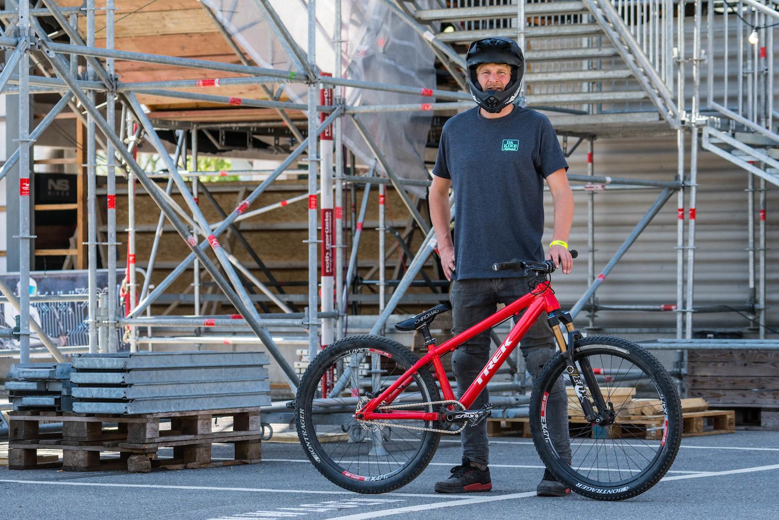 12 Dirt Jump Bikes From Rocket Air Pinkbike