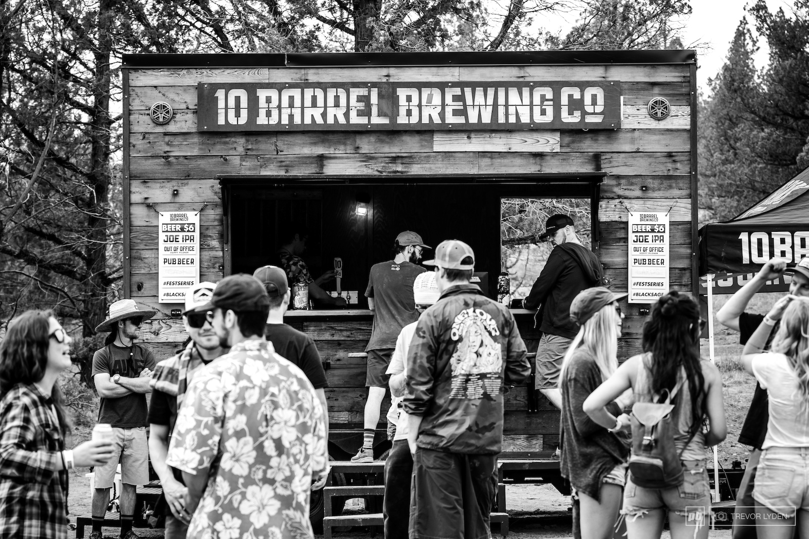 10 Barrel Brewing the title sponsor for the event had their mobile pub pouring ice cold brews all day long.