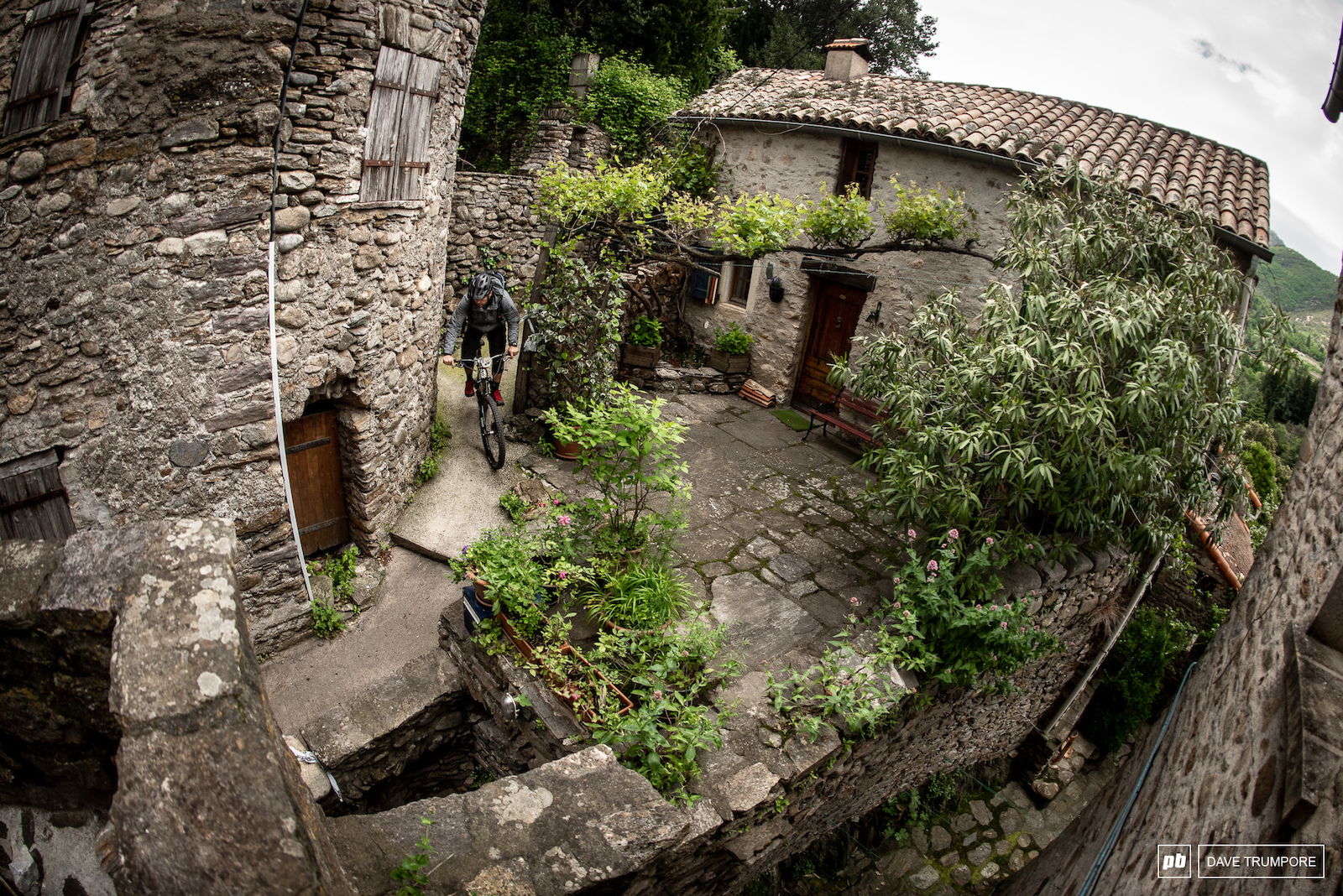The 4th stage will wind it s way through the streets of the old medieval village in Olargues.