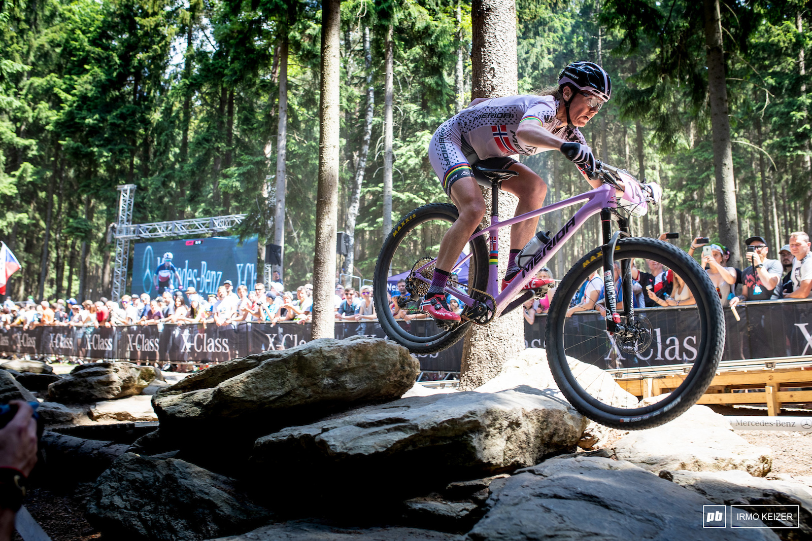 Gunn-Rita Dahle-Flesjaa has one of the most impressive mountainbike careers. Today she was up there again finishing in 6th.