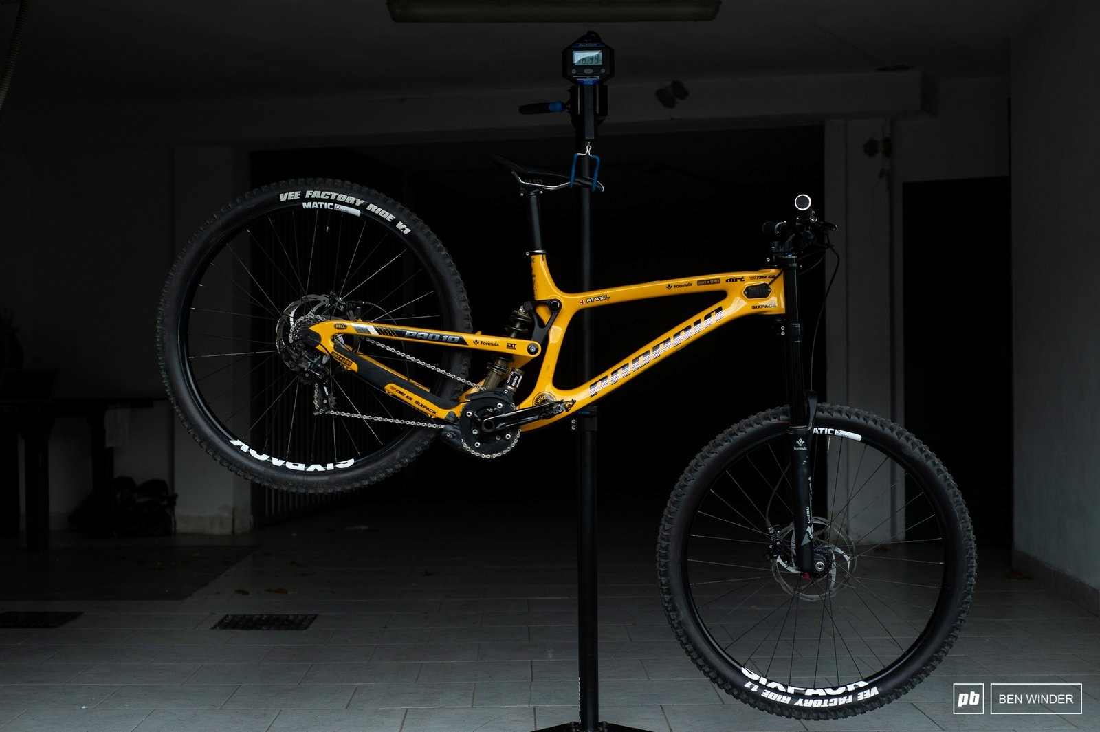1ffd34cc4cd Ultimate Bike Check: Phil Atwill's Propain Rage Carbon 29