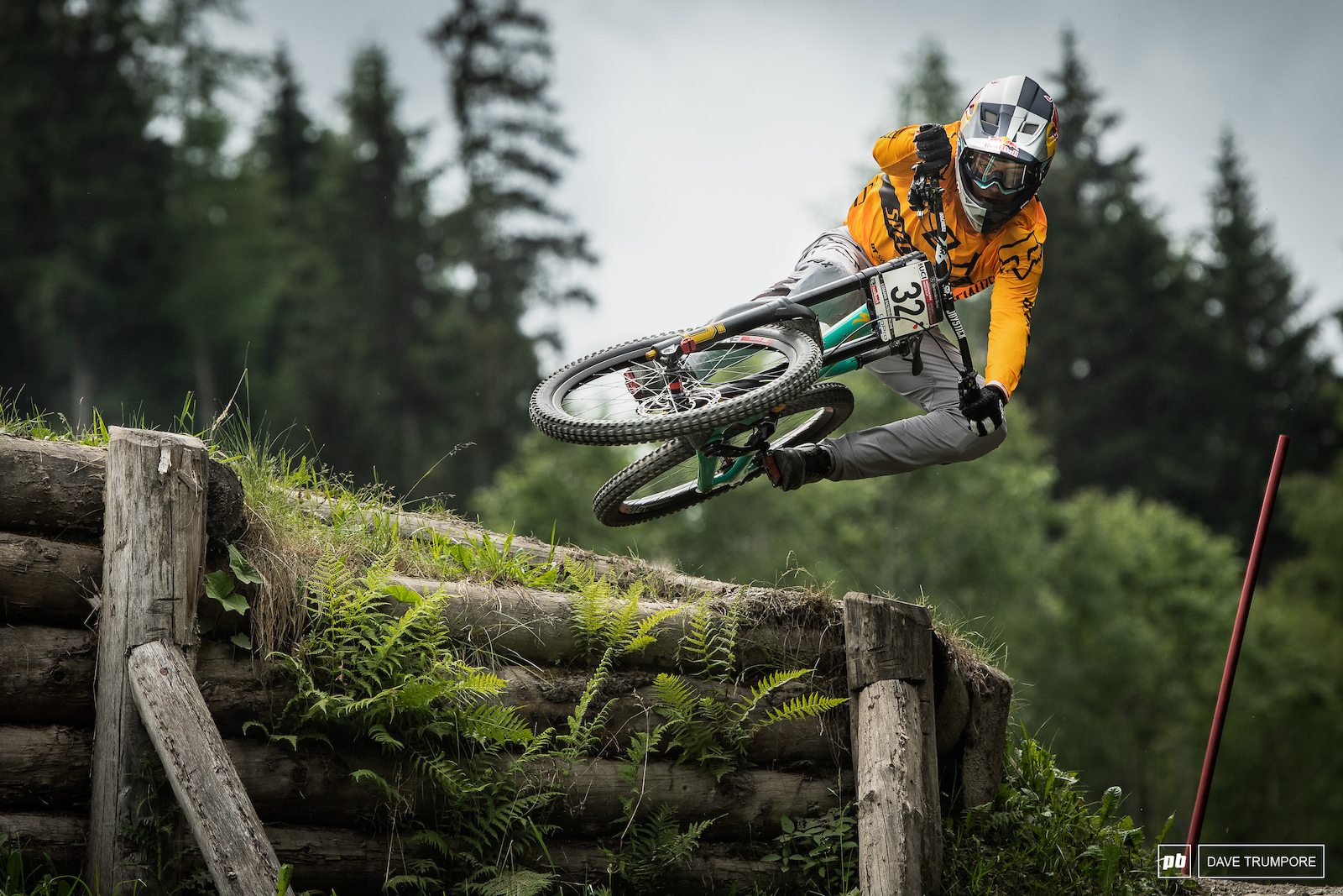 Sometimes it s hard to wrap your head around the fact that Finn Iles is still only 18 years old. So much speed and so much style seems to be the name of the game for today s youth.