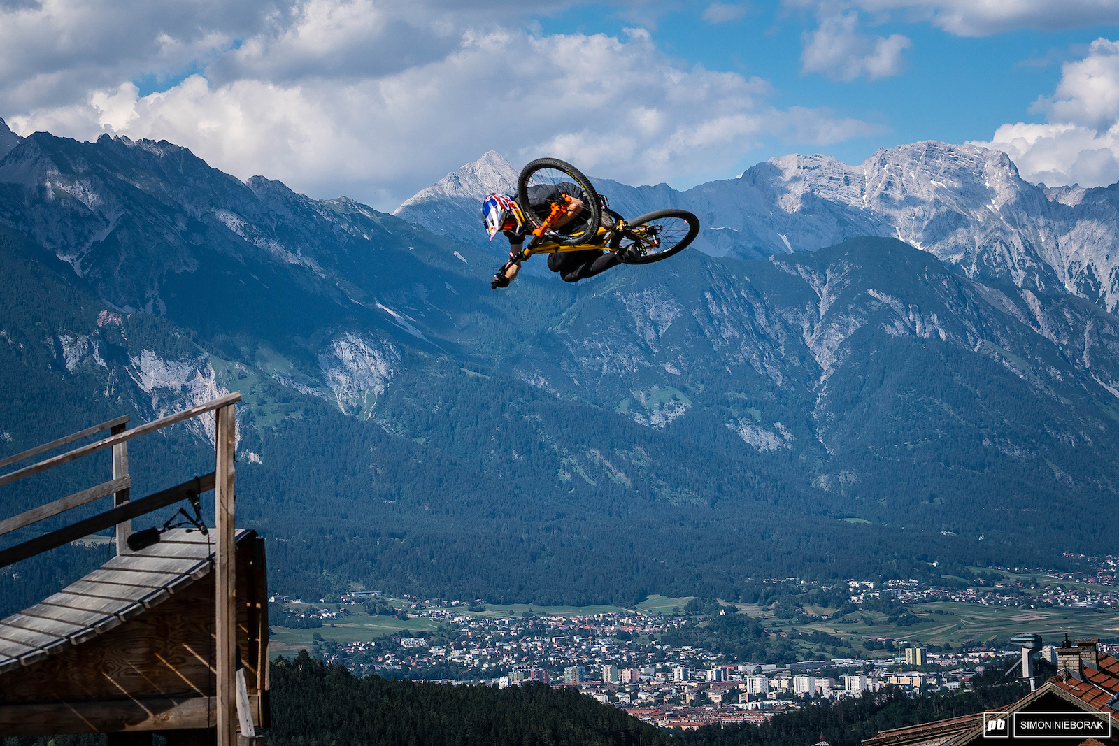 After the nasty injury Thomas Genon caught at FISE it s was great to see him healthy and going big here in Innsbruck.