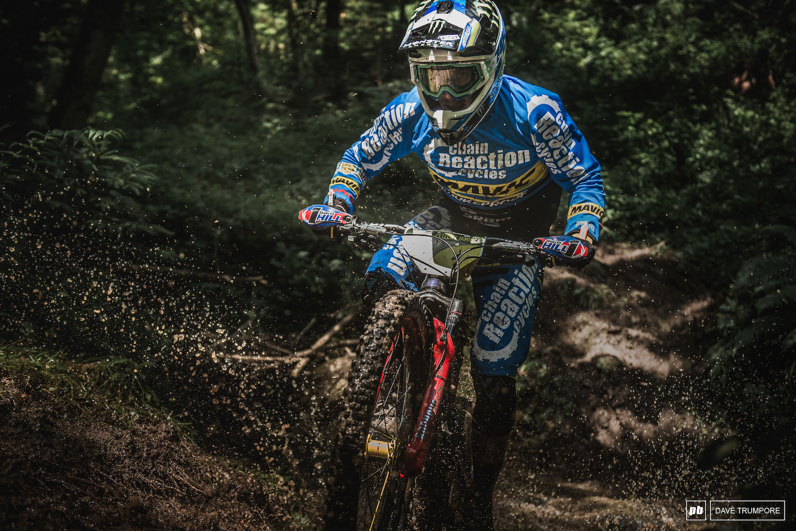 After an off weekend in round three Sam Hill is back at the front and leads Martin Maes into day two by 9 seconds.