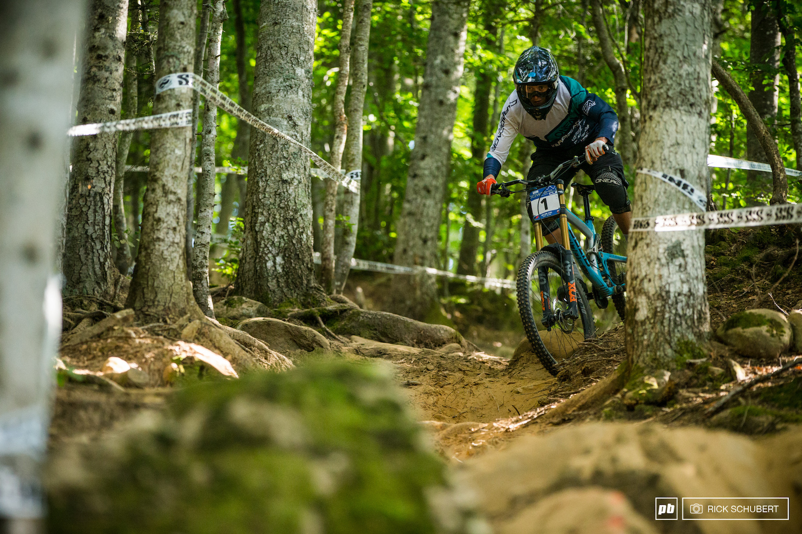 Joshua Barth is going from strenght to strenght this season but the five minute track in Abetone made him struggle a bit. Still he takes another podium and stays up top in the overall