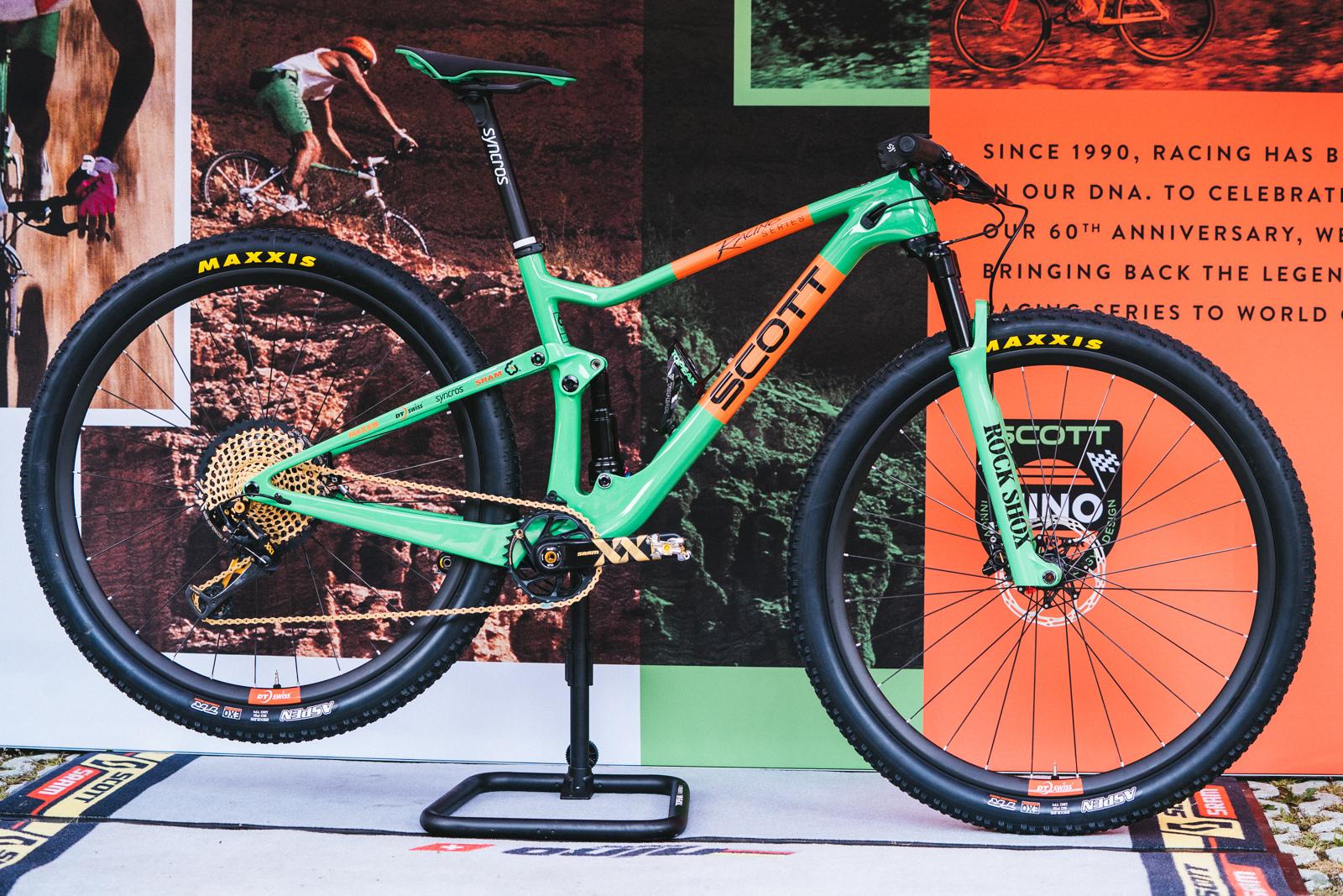 Nino Schurter bike check