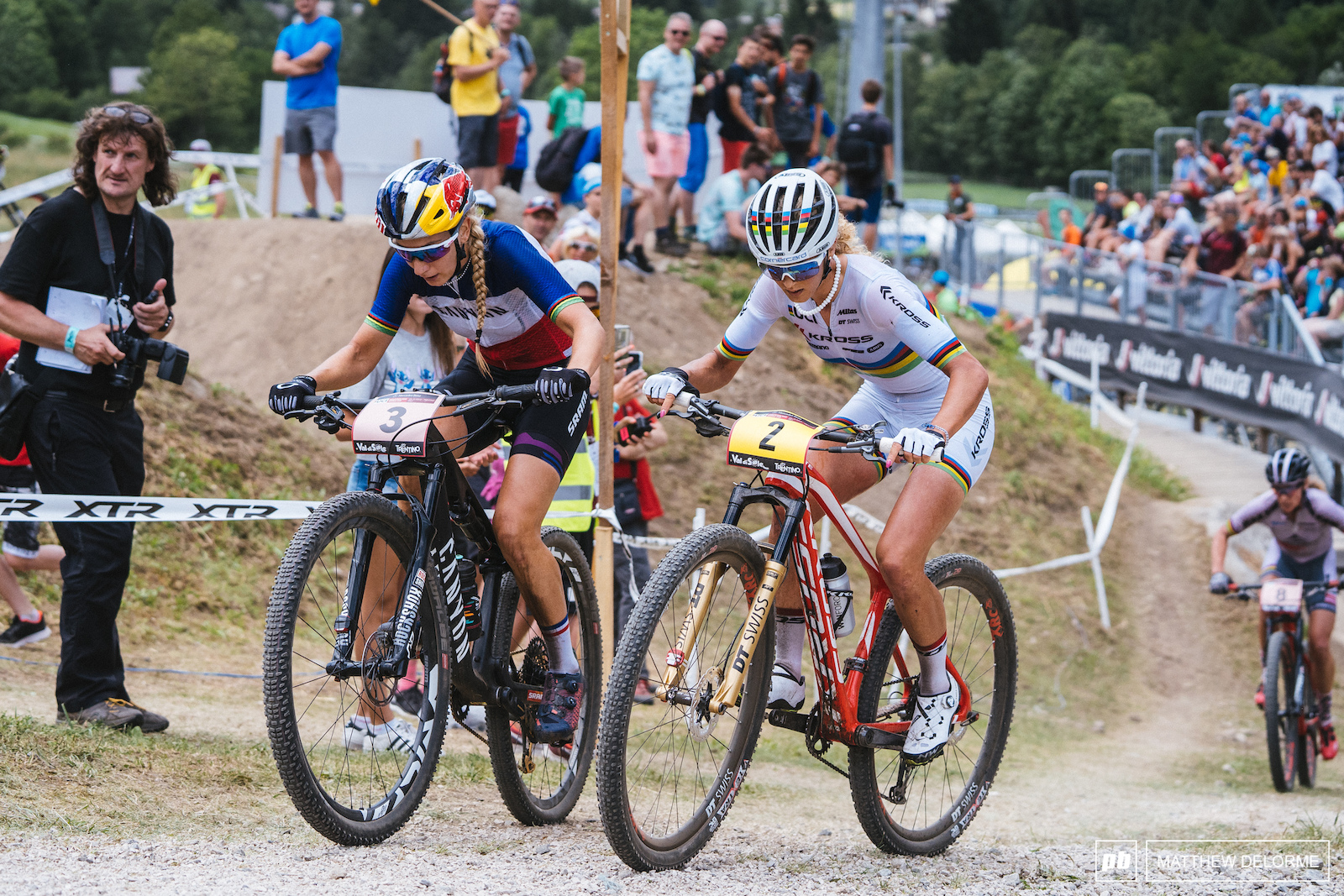 Neff and Prevot in one of many back and fourths.