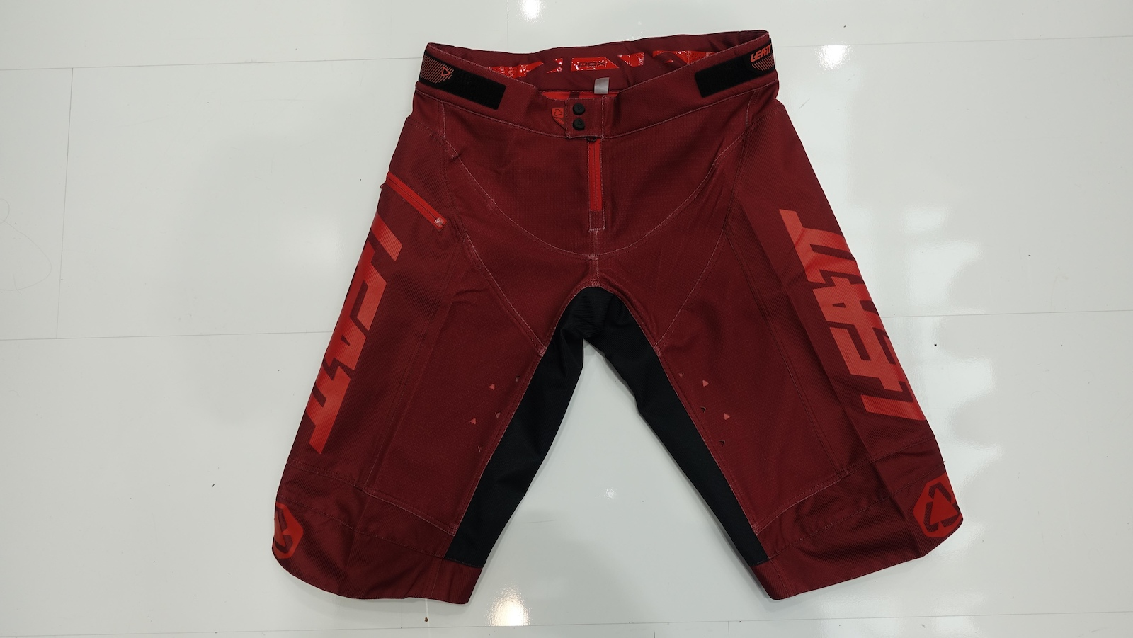 The DBX 4.0 shorts are tough and loud in red