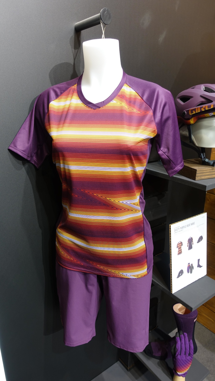 Giro s dusty purple heat wave themed kit is due to release in Spring 2019. The contrast of colours looks great in the flesh.