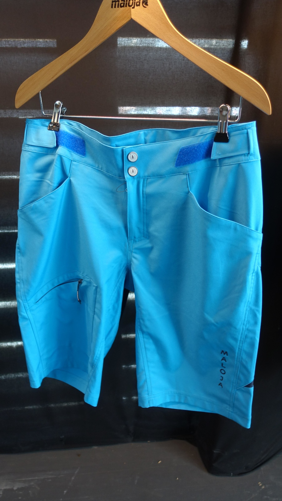 The Reto short is a more traditional-looking riding short.