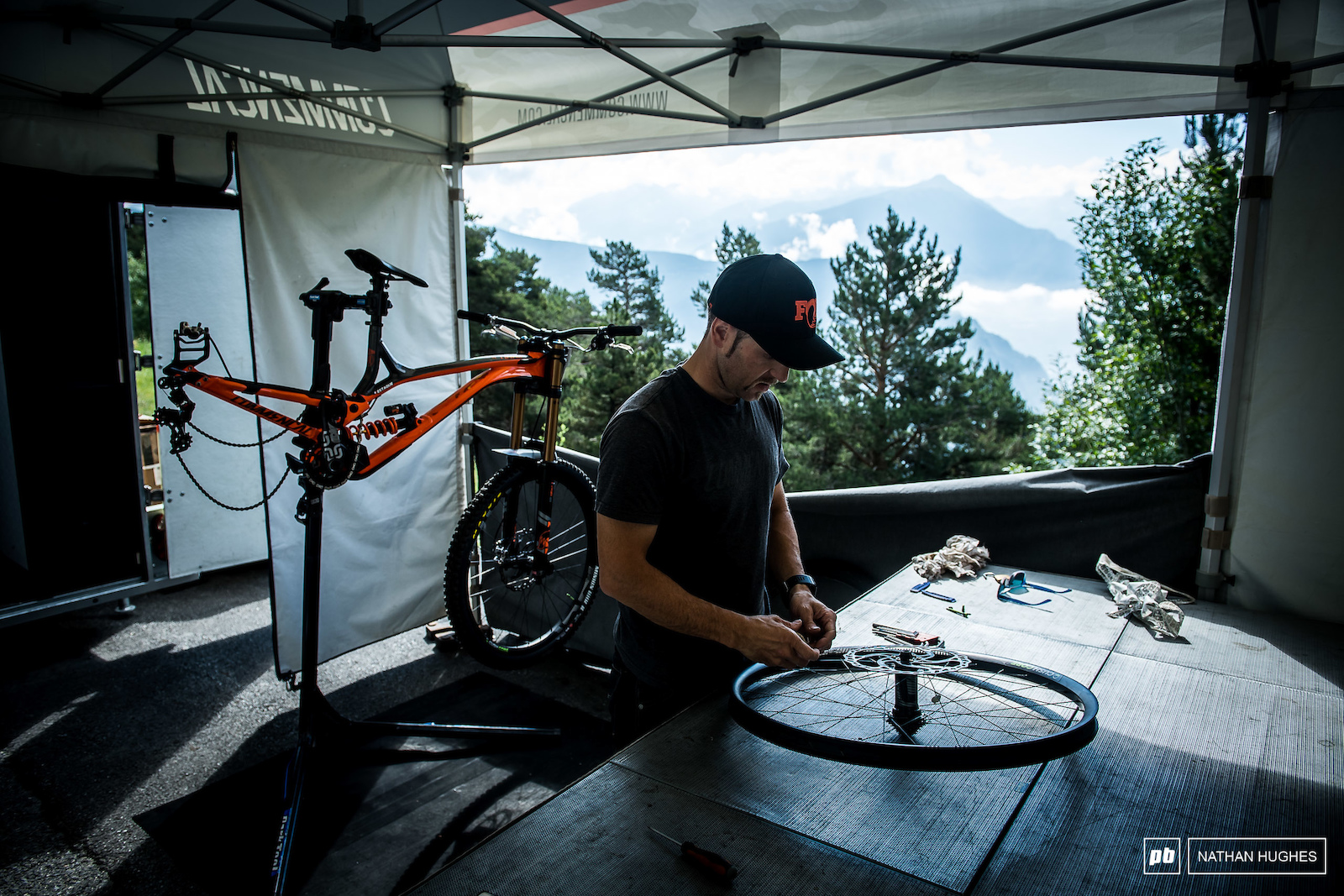 Fresh podium-ite Thomas Estaque s bike coming together at the Commencal 100 pit.