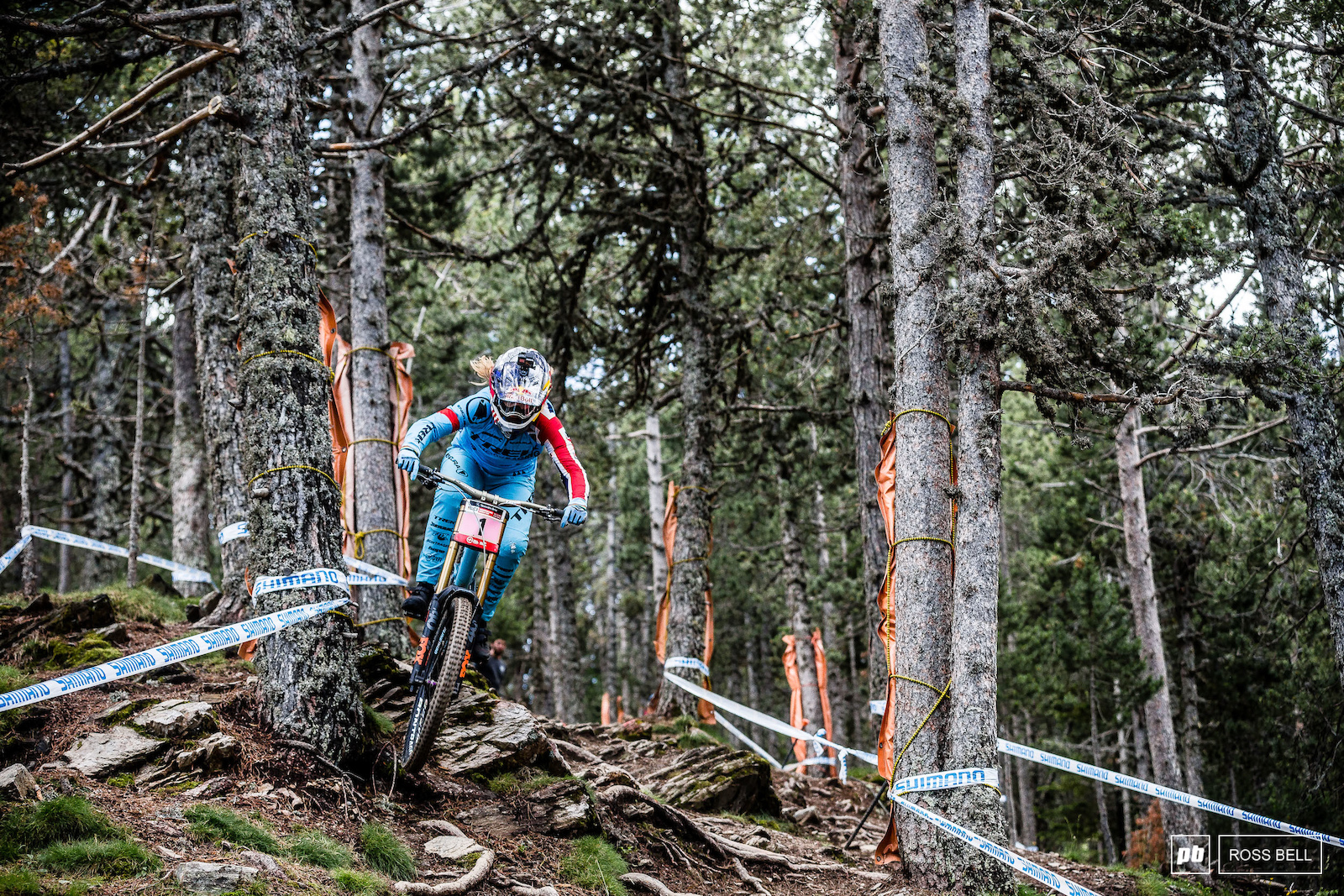 Rachel Atherton took control of the overall last weekend but was pipped to the win by Tahnee Seagrave. Those two look set to battle out the remainder of the season.