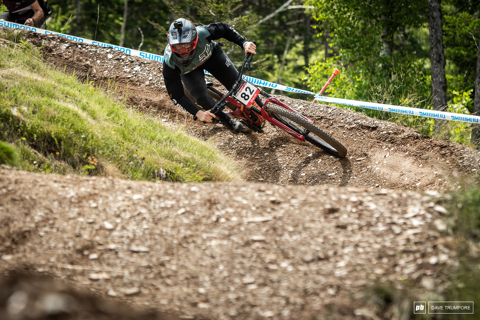 With most of the Union Devinci team sidelined with injuries EWS specialist Keegan Wright has stepped in for some DH duties this week.