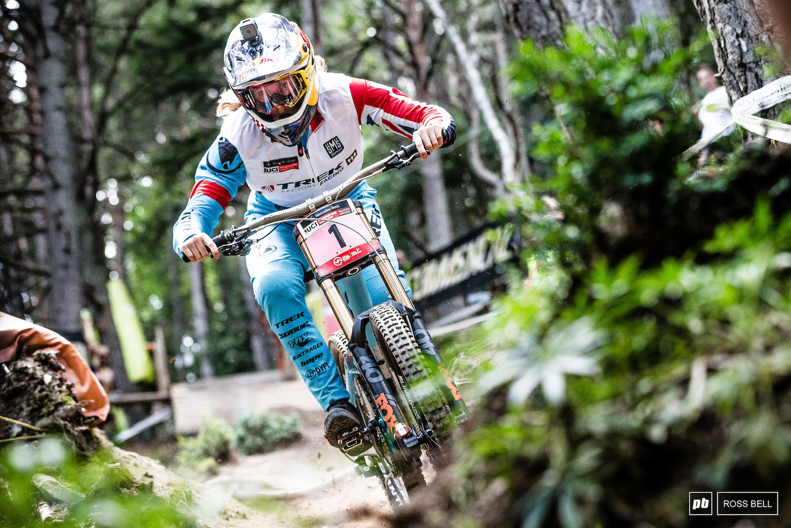 Utter domination. Rachel Atherton was in her own class today... Can anyone get close to her tomorrow?