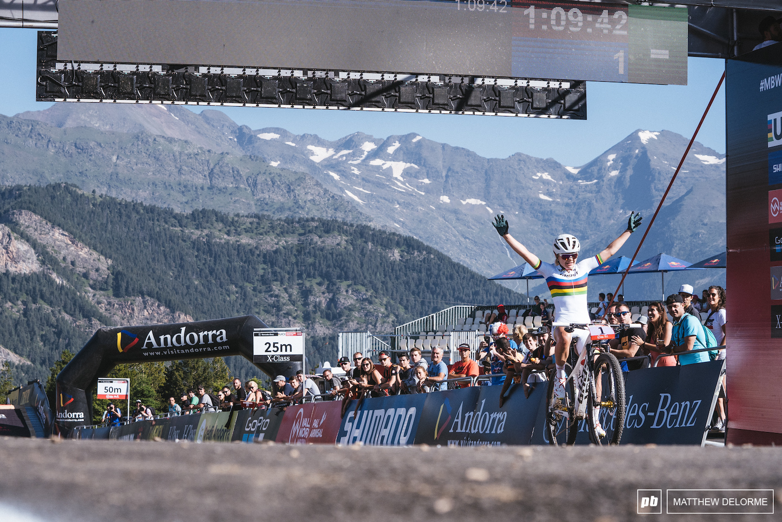 Sina Frei once again takes the win in the u23 women.