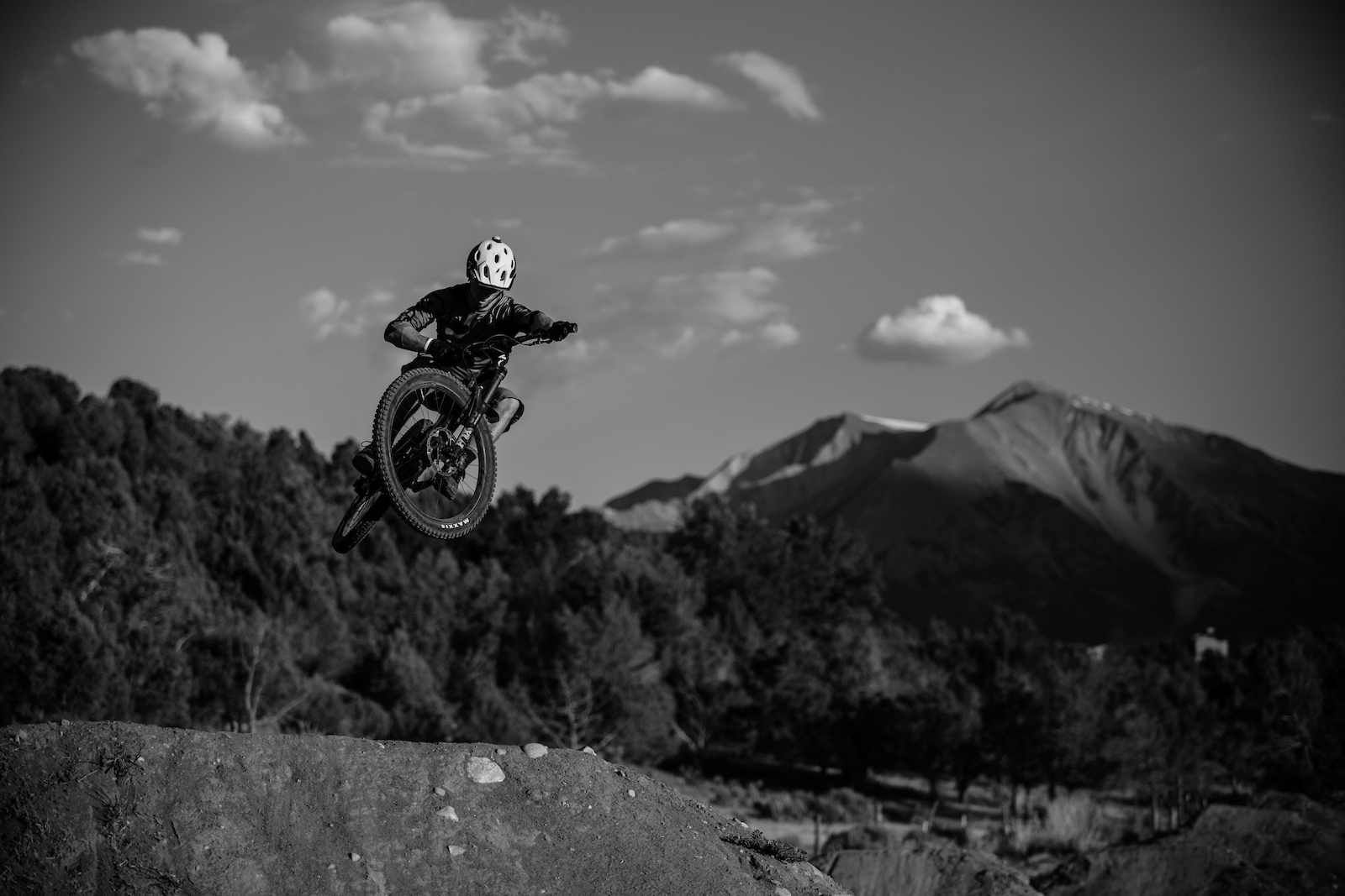 Night riding wasn t even a question when we brought it up. There is very easy access to good night riding just outside of town in Prince Creek. We hit it right at the full moon so you could see the trail your surroundings and Mt. Sopris pretty well even without a light.