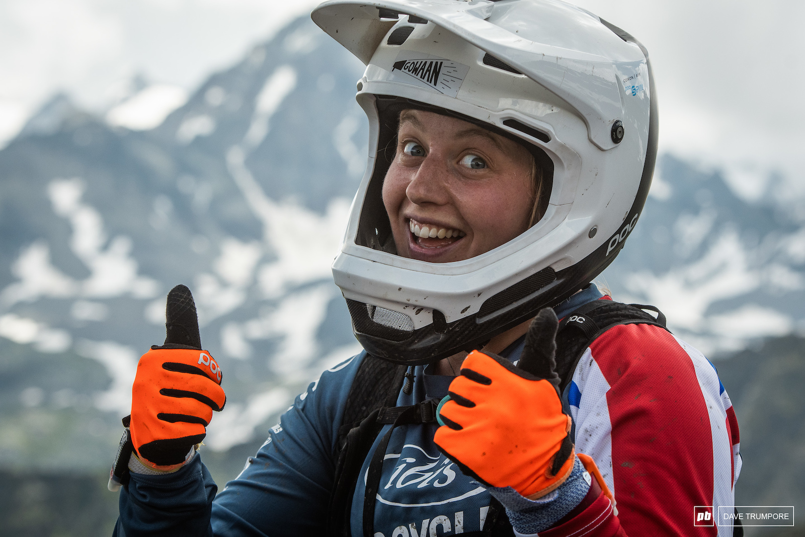 Thumbs up from Bex Baraona at the top of the weekends final long climb.