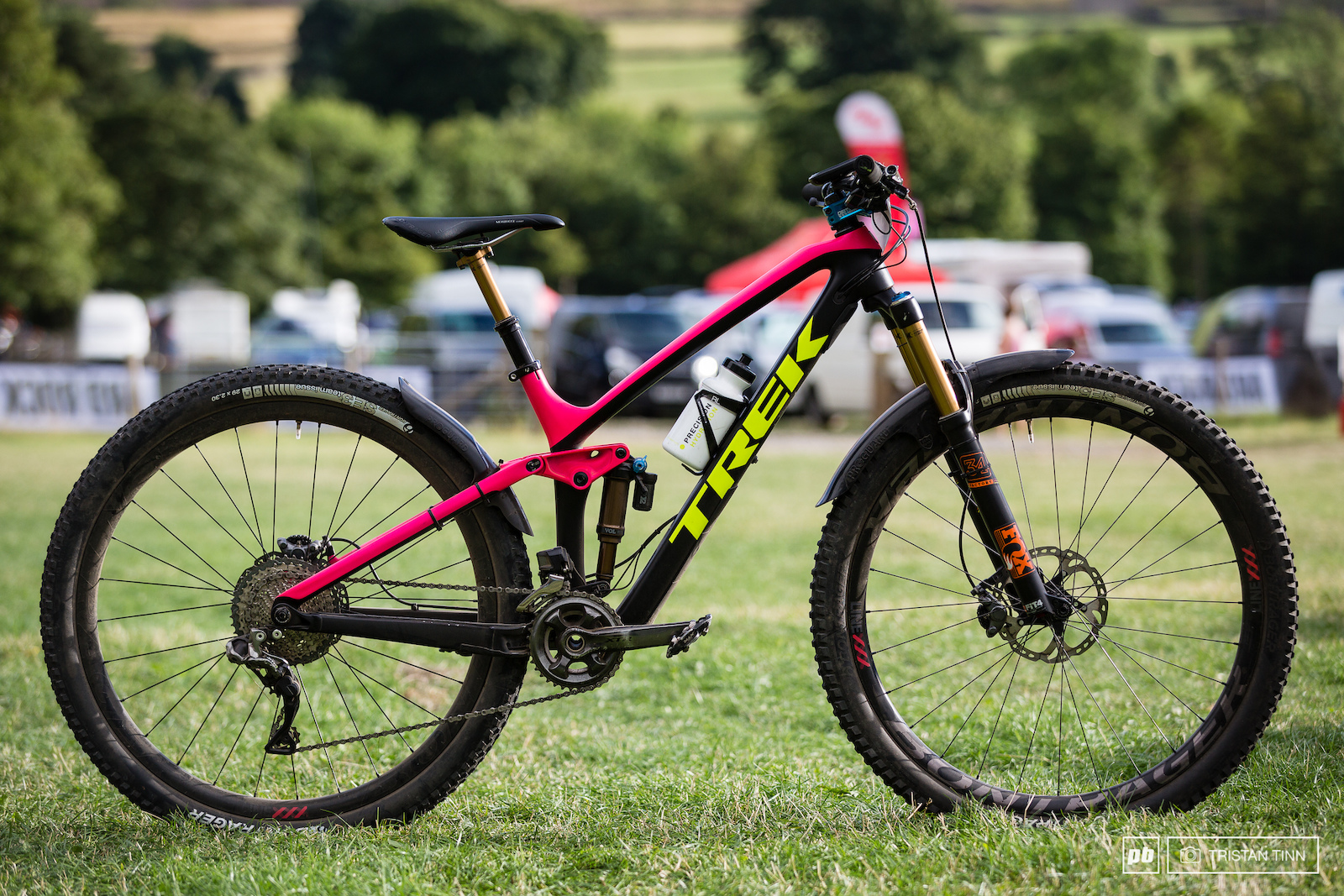 Tracey Moseley s Trek Fuel EX 2017 29er with 140 130mm travel and 22 speed XTR