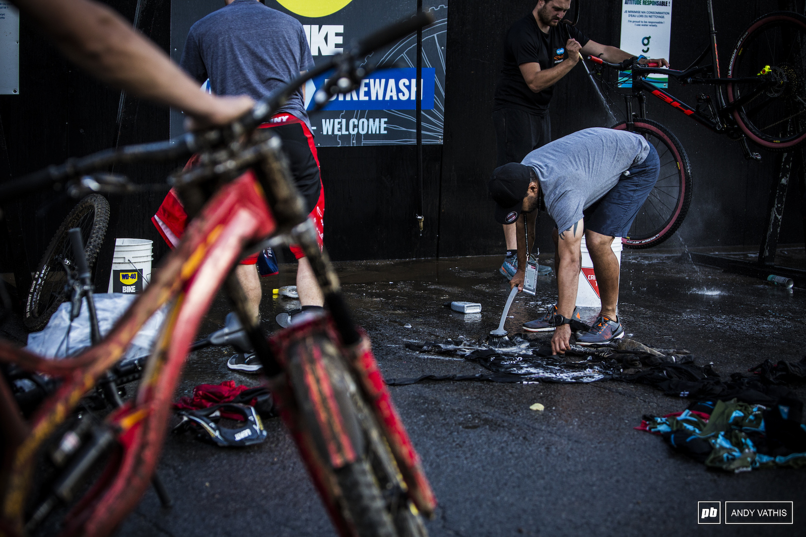 The bike wash was overworked and overbooked all day.