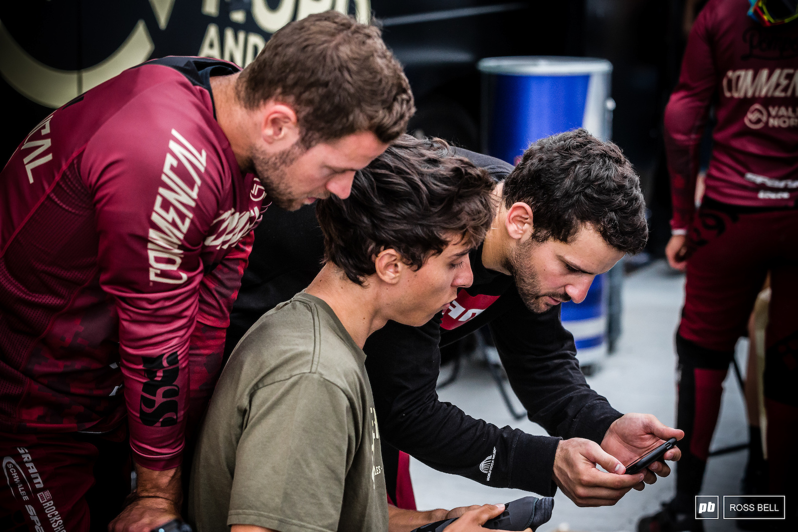 Gaetan Ruffin showing his Commencal Vallnord team mates Amaury Pierron and Remi Thirion some line choice before group B practice kicked off.