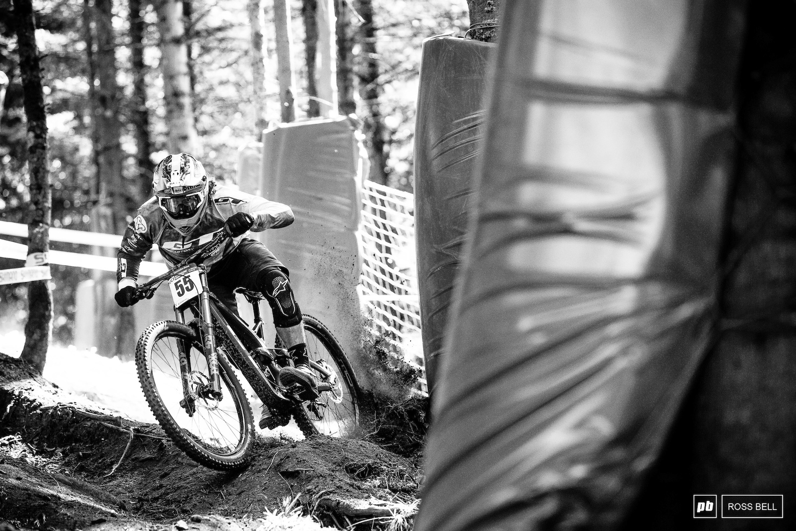Wyn Masters flinging that big wheeled GT Fury through the deep loam that lays in wait on most of the track.