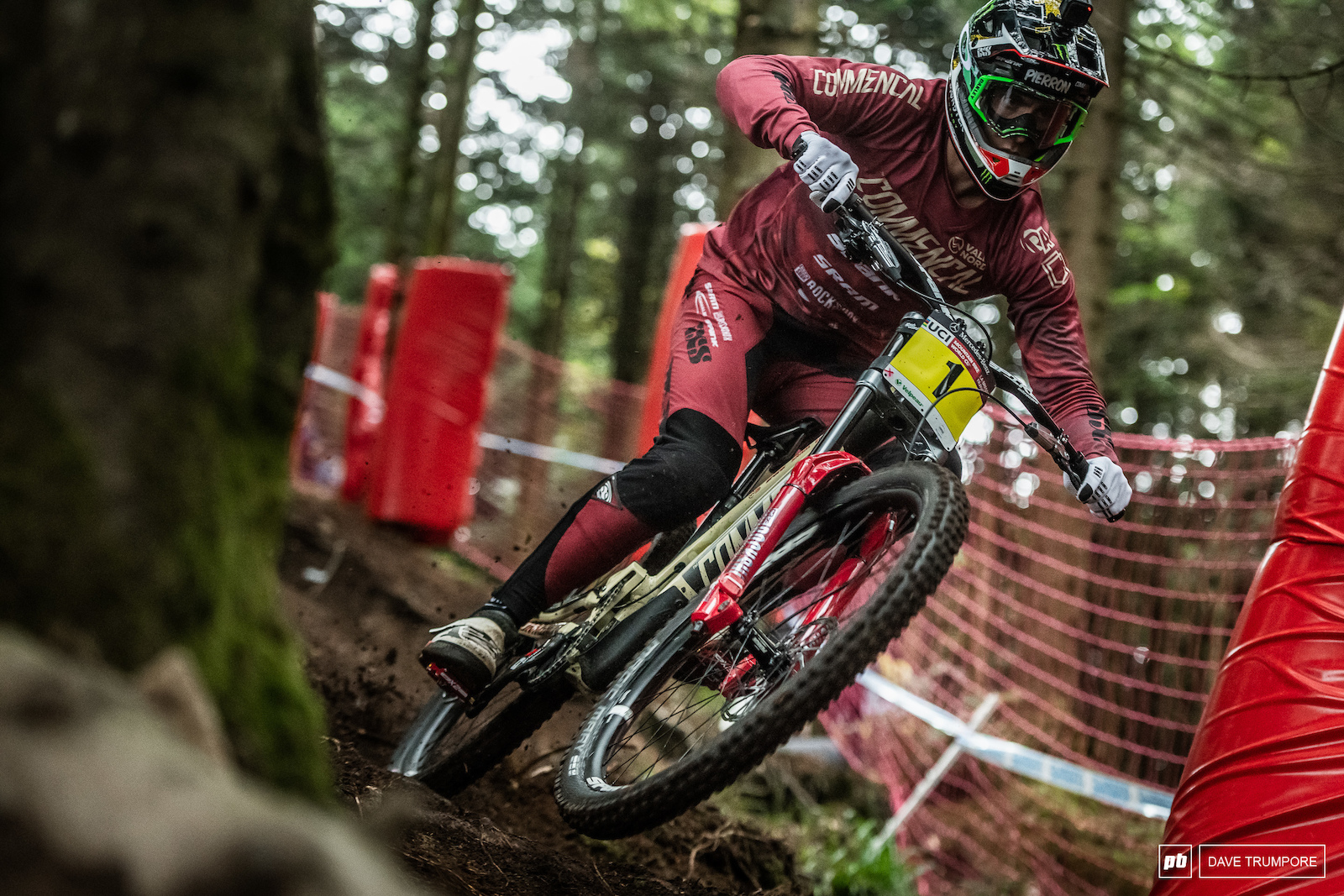 Even in the slippery morning mud Amaury Pierron seemed to be riding with a level of confidence well above anyone else. Smooth Aggressive and fast he looked like the one to beat.