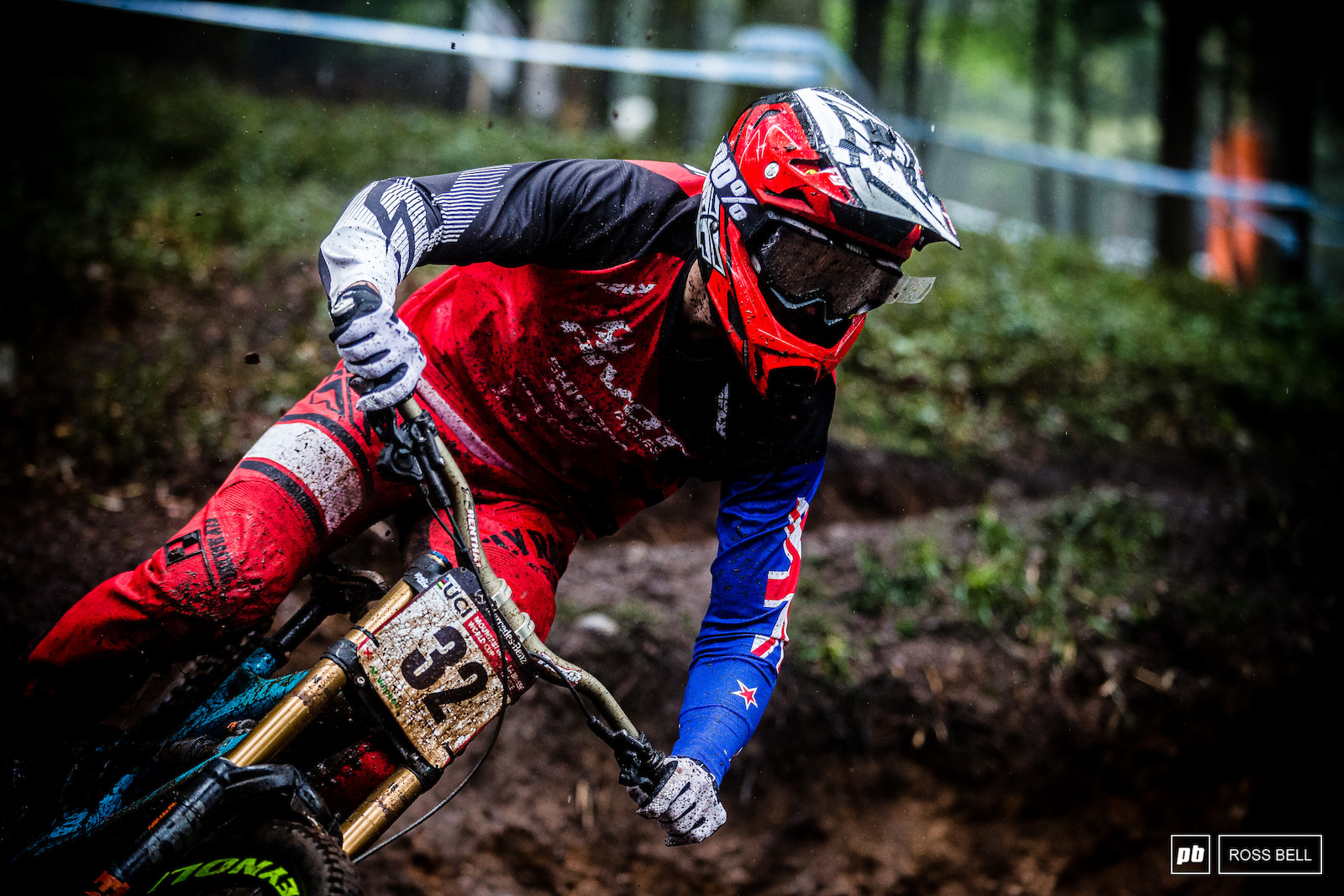 Eddie Masters has been killing it this year in both downhill and enduro after missing Mont Sainte Anne and picking up another EWS podium he returned to downhill with a bang ending up the day 8th fastest.