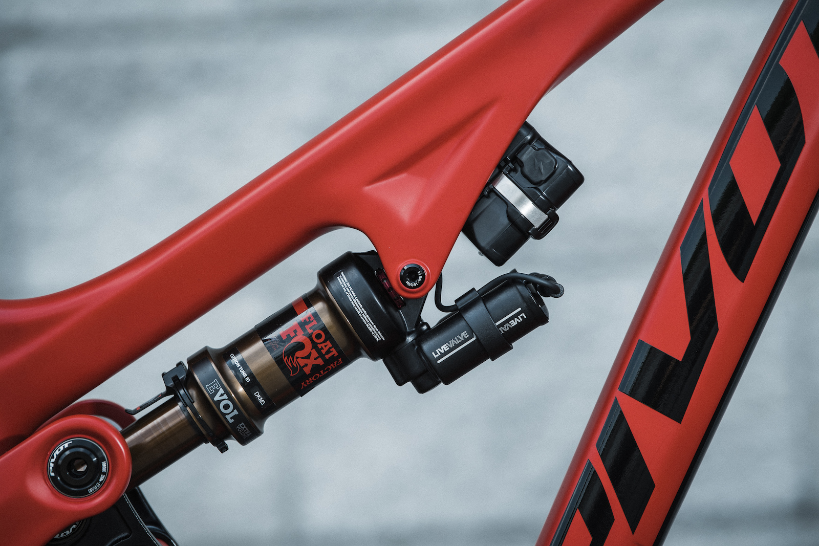 42d07734346 Review: Fox Live Valve Suspension - Pinkbike