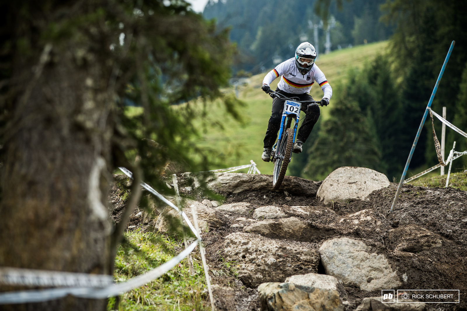 Nina Hoffmann is coming from a 6th place finisher in La Bresse and is still building. She took the win in Brandnertal