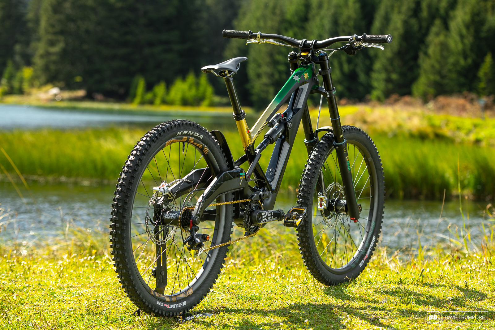 Mick Hannah s Polygon Xquare One DH9