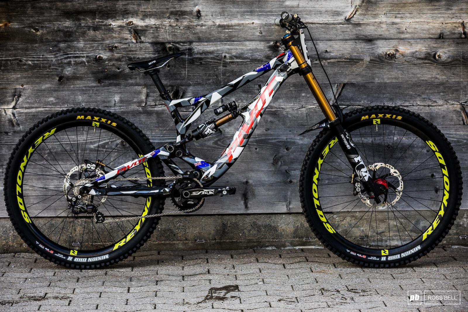 36d5e6937ea Part 2: Custom World Champs Bike Gallery - Lenzerheide DH World ...