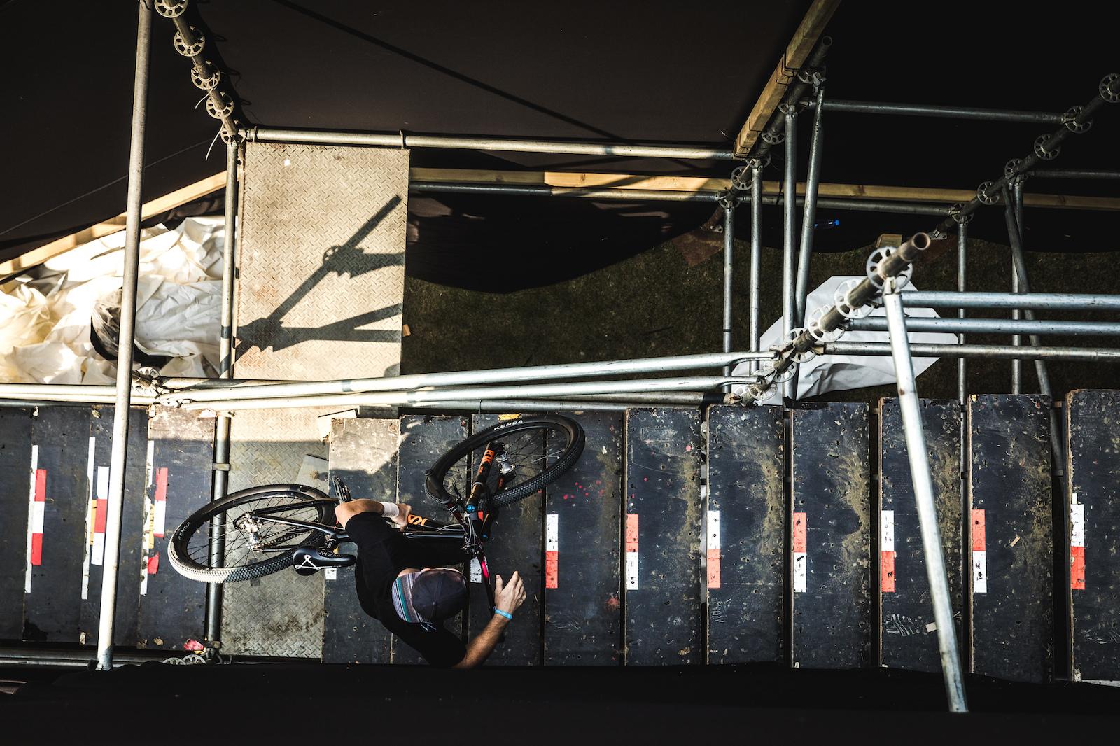 All runs through the course begin with a short scaffolded climb.