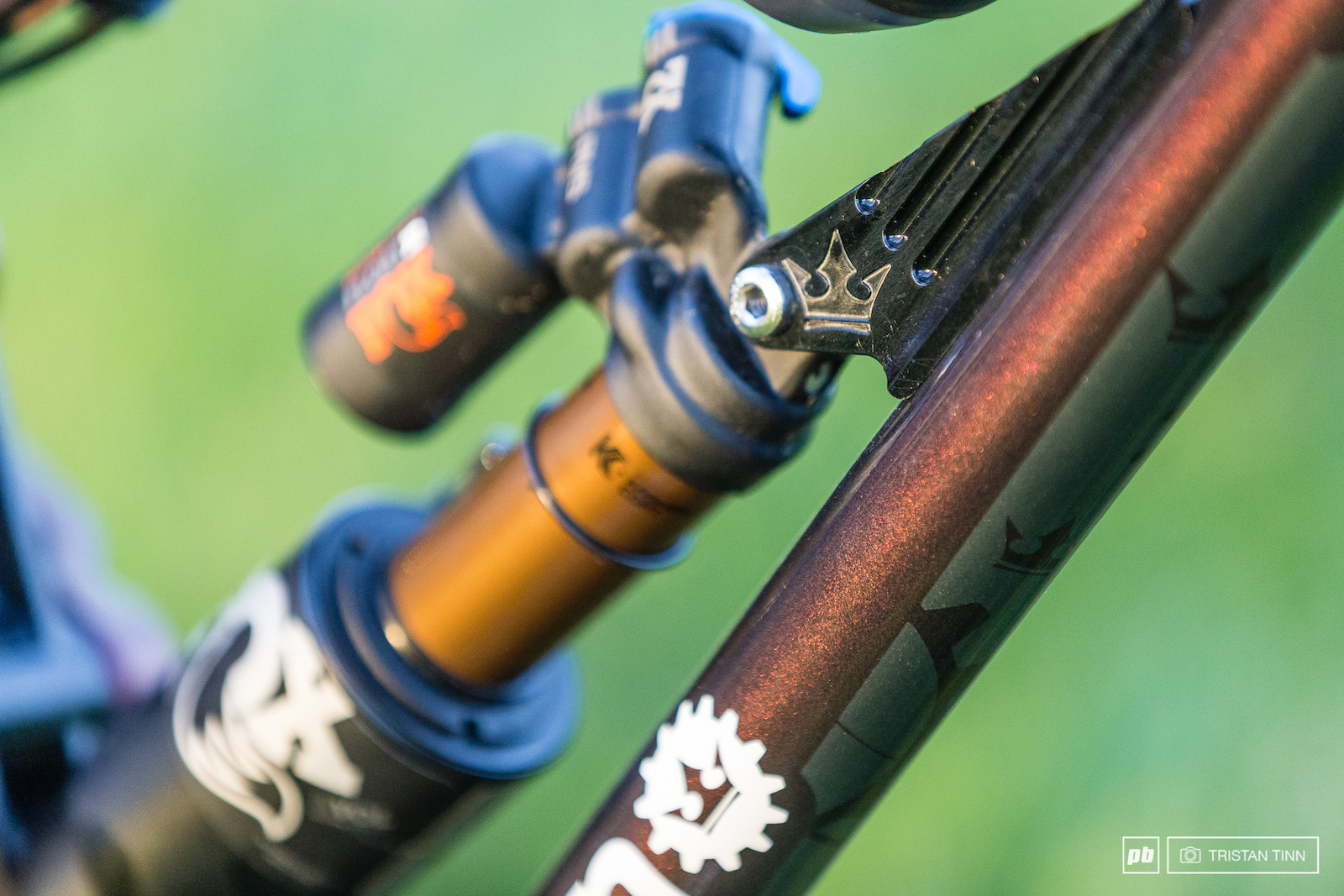 The iridescent black lava finish works well with kashima and a simple wite decal