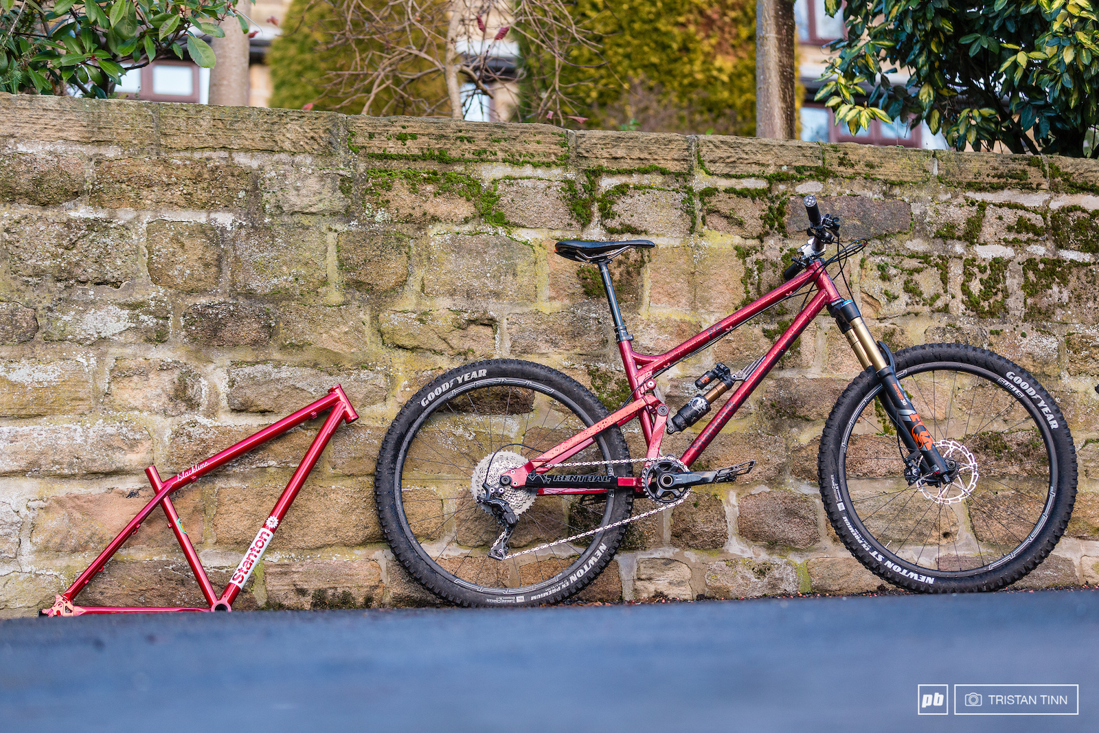 The original Switchback frame which helped bring the brand to the public eye in the Dirt 100 and the newly produced Switchback FS a 650b version of the Switch9er FS available with 140mm or 160mm rear travel.