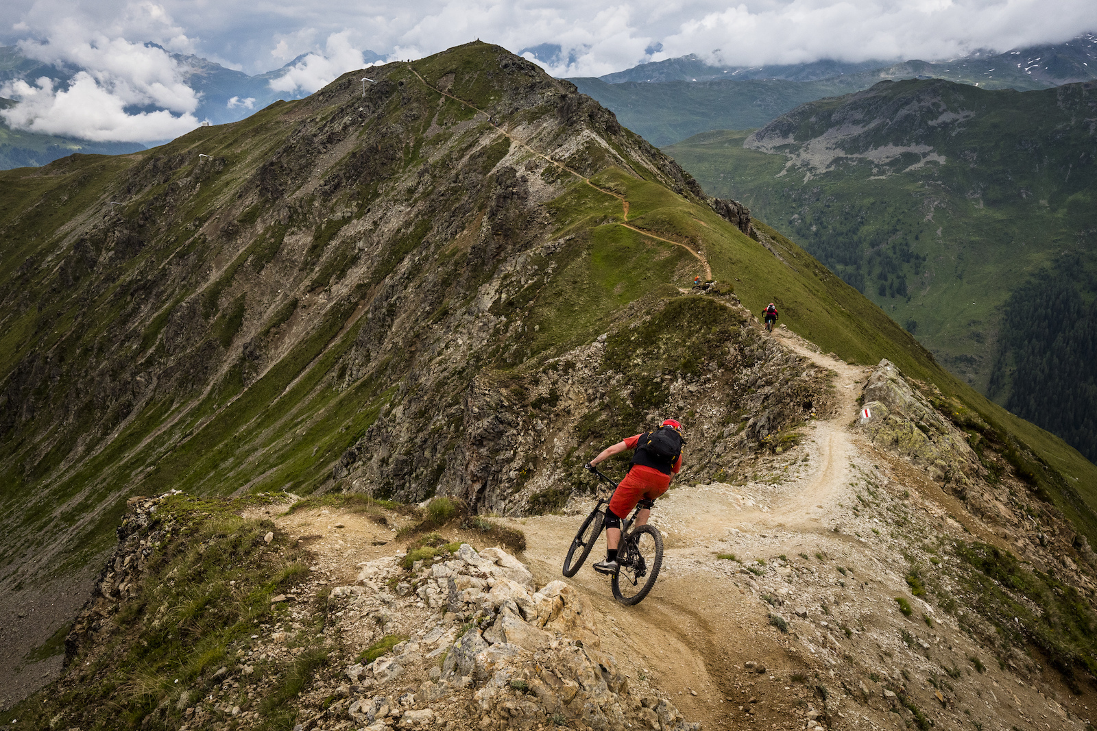 Davos-LKlosters boasts 700 Km of marked trails to ride. Anthony and Denny like living here.