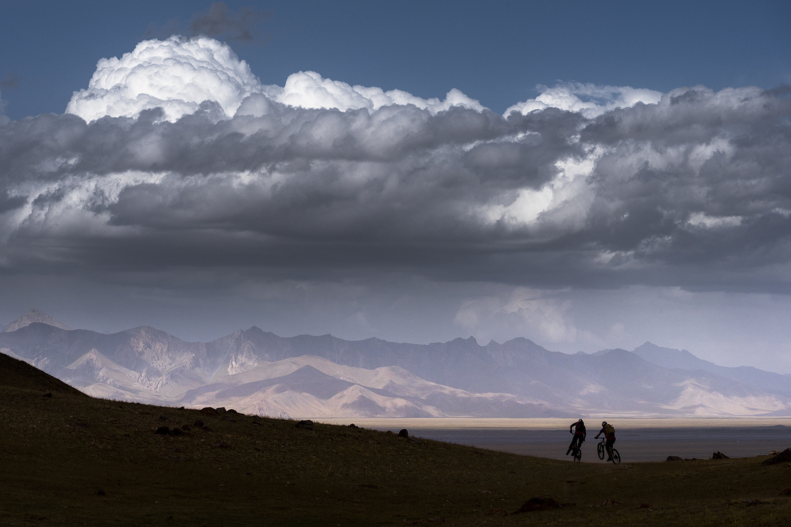 Big mountains and broad plains shape Kyrgyzstan 39 s landscapes. And spreading across them both are thousands of horse trails that make for great singletrack.