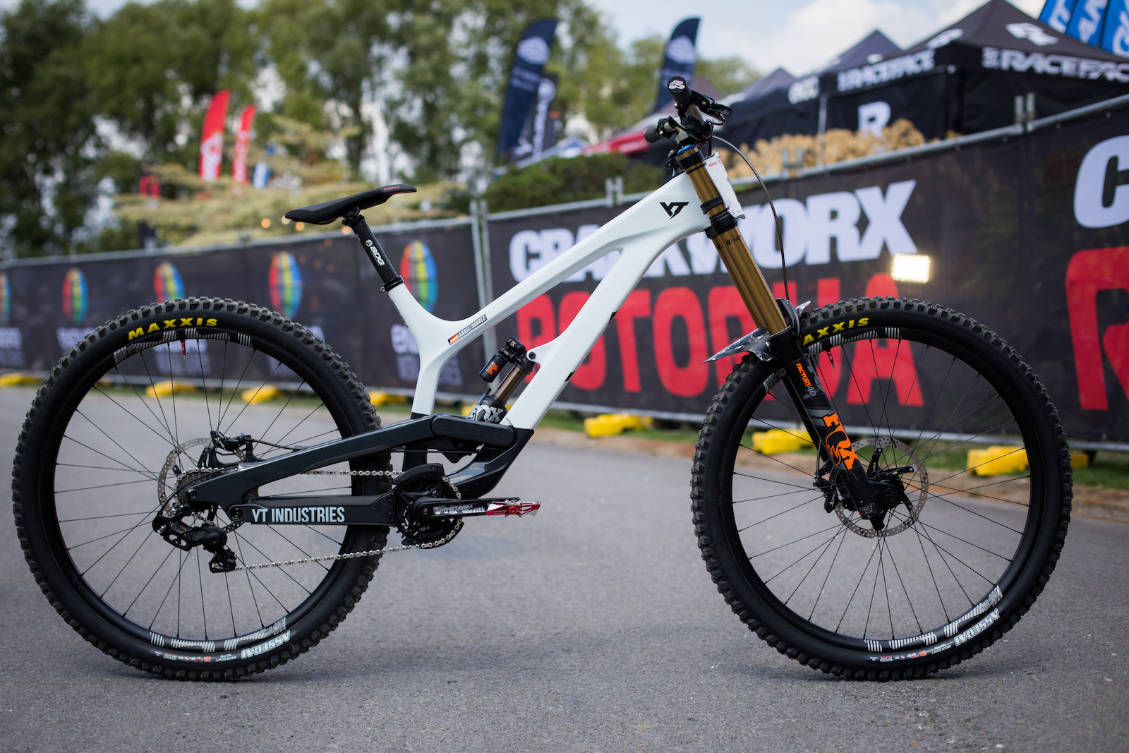 27ea2e6e895 YT Tues Photography by Daniel Sapp, Words by Aidan Oliver. Now that Aaron  Gwin ...