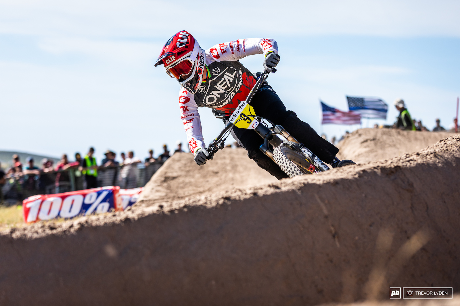 World cup legend Greg Minnar was on hand to try out the Sea Otter Dual Slalom but unfortunately only made it to round two.