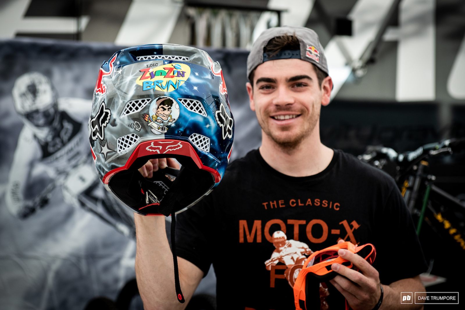 A new season and a new custom painted helmet for Loic Bruni.