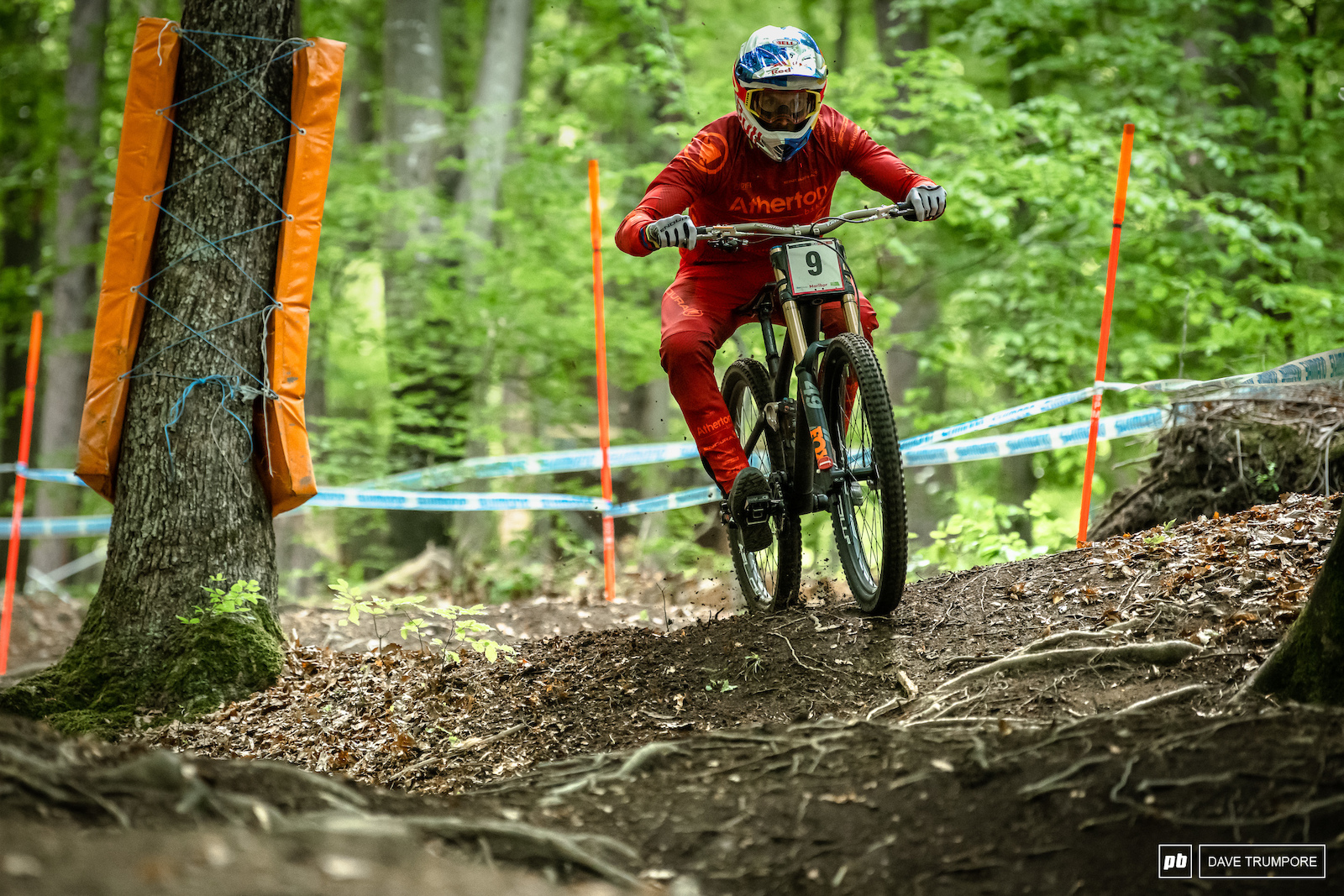 Despite a crash on on of the open turns near the top Gee Atherton was able to make it down in 33rd.